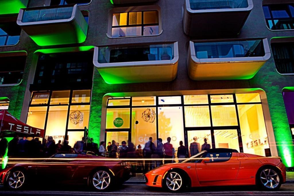 TESLA Motors Pop-Up Store in Hamburg