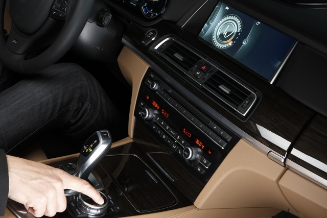BMW ConnectedDrive iDrive Touch Controller (Quelle: BMW Group)