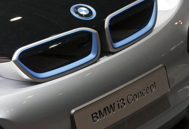 BMW verkauft künftig Autos auch online.