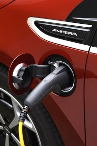 "Opel Ampera - ""Car of the Year 2012"" am Charger"