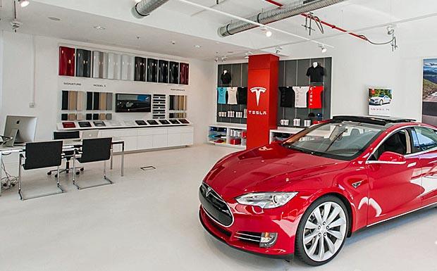 Tesla modernisiert Showrooms in Frankfurt und München (Quelle: Tesla)