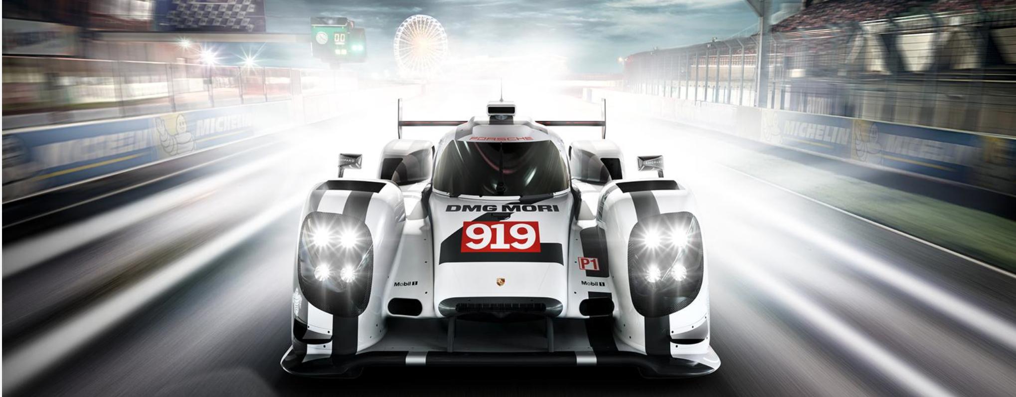 Public Viewing vom Le Mans Rennen am Porsche Museum