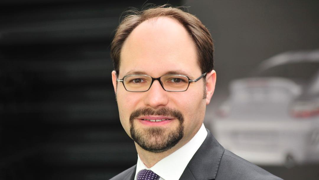Dr. Josef Arweck, Leiter weltweite Unternehmenskommunikation (Porsche AG)